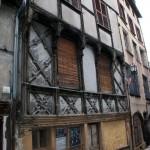 Fig. 1 - Maison à pan de bois