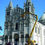 Fig. 1 - La façade de la cathédrale