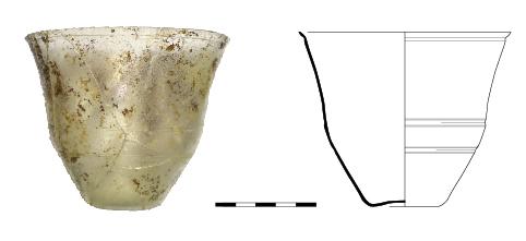 Verre Gobelet tronconique en verre incolore. Datation : Flaviens - début du IIe siècle