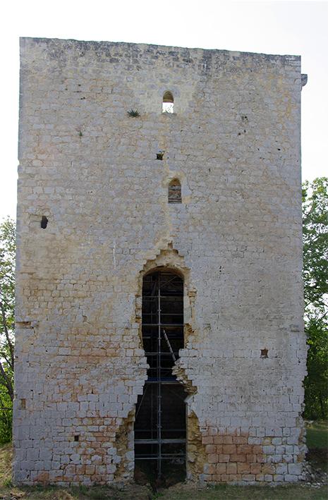 40-Saint-Aubin La tour, environ 16 m de haut