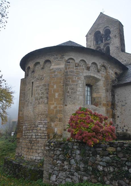 Vue du chevet de l'église de Saint-Pierre d'Ourjout