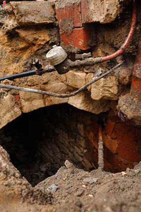 Fig. 1 - Cave mise au jour lors du suivi de travaux
