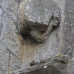 Fig. 1 - Fragment de sculpture zoomorphe en façade occidentale