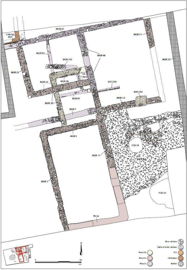 Fig. 1 - Plan général phasé des vestiges bâtis