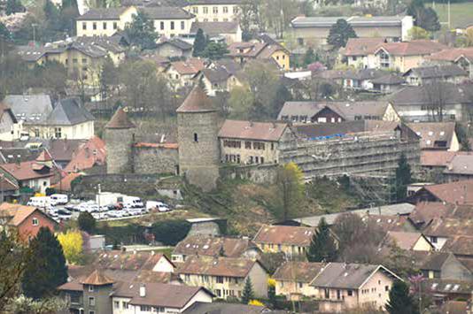 Fig. 1 - Le château de Bonneville