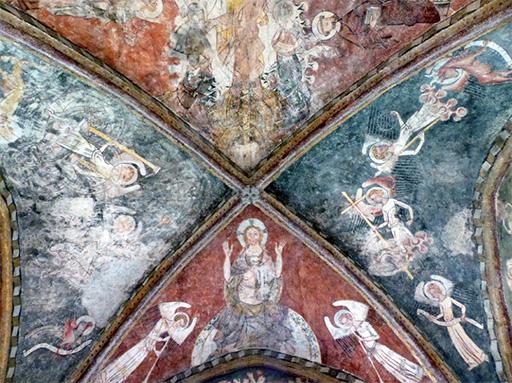 Fig. 2 - Vue des peintures conservées sur la voûte d'ogives