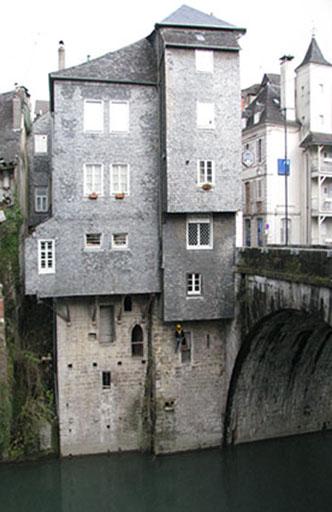 Fig. 2 - Vue de la façade sur rive