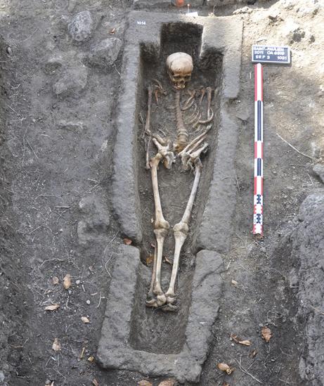 Fig. 4 - Sarcophage des Ve-VIe siècles