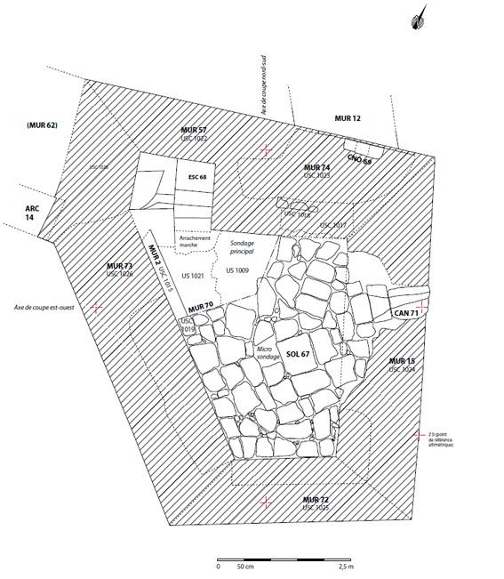 Fig. 4 - Plan des vestiges de la terrasse sommitale de la tour