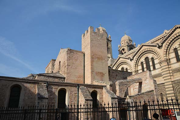 Fig. 1 - Vue de la cathédrale