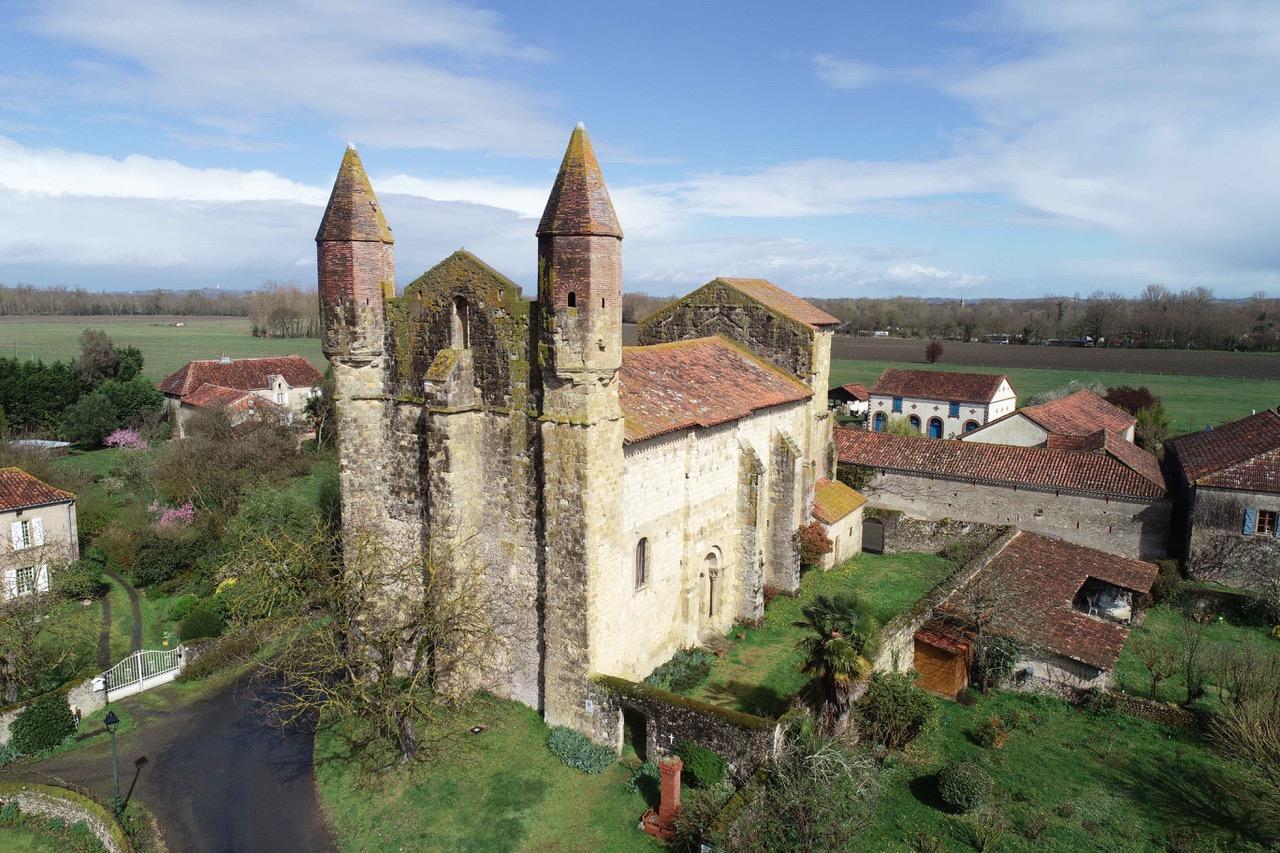 Castelnau-Rivière-Basse (85)